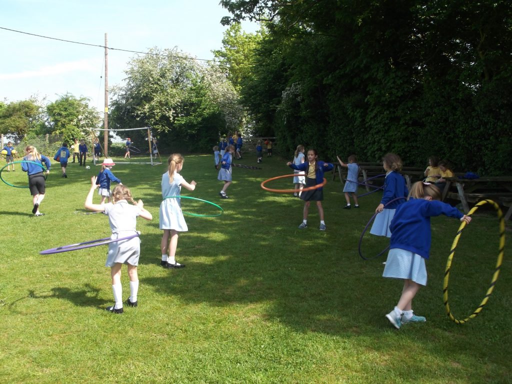 http://www.st-thomas-a-becket.wilts.sch.uk/wp-content/uploads/2017/08/Hula-play-e1528203181193.jpg